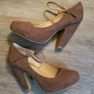New nine west lush Mj heels 9.5